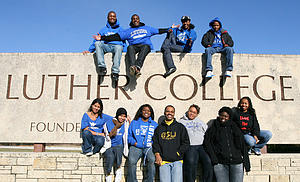 Luther students by campus entrance