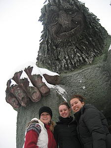 Luther students in front of Norway's largest troll.