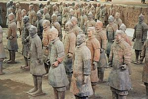"Terracotta Army of Emperor Qin Shi Huangin (by Airunp, from Wikimedia Commons)<a href=""/reason/images/318159_orig.jpg"" title=""High res"">∝</a>"