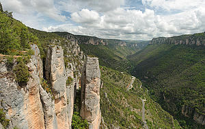 "Jonte gorges, by Benh Lieu Song, from Wikimedia Commons<a href=""/reason/images/338194_orig.jpg"" title=""High res"">∝</a>"