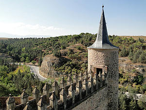"A tower at the west side of the Alcázar of Segovia, Spain, by Bernard Gagnon, from Wikimedia Commons<a href=""/reason/images/338312_orig.jpg"" title=""High res"">∝</a>"