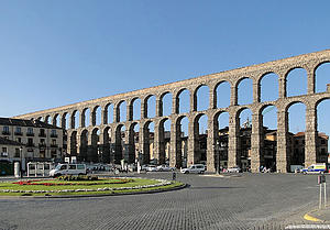 "Aqueduct of Segovia and Plaza de la Artillería, Segovia, Spain, by Bernard Gagnon, from Wikimedia Commons<a href=""/reason/images/338515_orig.jpg"" title=""High res"">∝</a>"