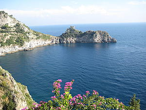 "Capo Conca at Conca dei Marini Almalfi Coast, by Jimlon, from Wikimedia Commons<a href=""/reason/images/339790_orig.jpg"" title=""High res"">∝</a>"