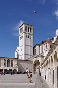 "Assisi, Basilica San Francesco, by Berthold Werner, from Wikimedia Commons<a href=""/reason/images/339794_orig.jpg"" title=""High res"">∝</a>"