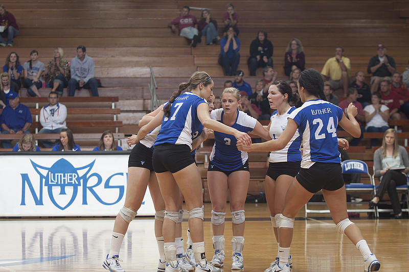 Coe College | Volleyball | Luther College