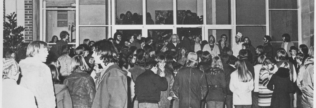 Students occupy Main Hall in 1973. Photo from the 1973 Pioneer yearbook.