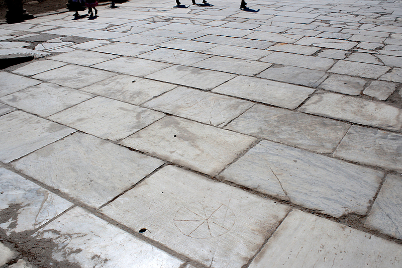 Fig. 1. The Arcadian Way in Ephesus, built in the late 4th century. Photo by Dan Davis.
