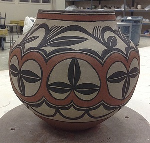 My decorated olla, ready to be burnished and fired!