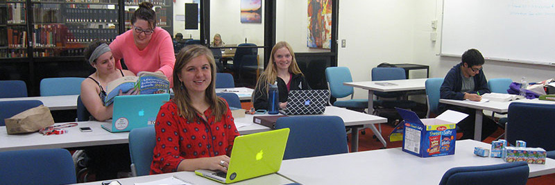 TRIO students work on applications during a drop-in Scholarship Day.
