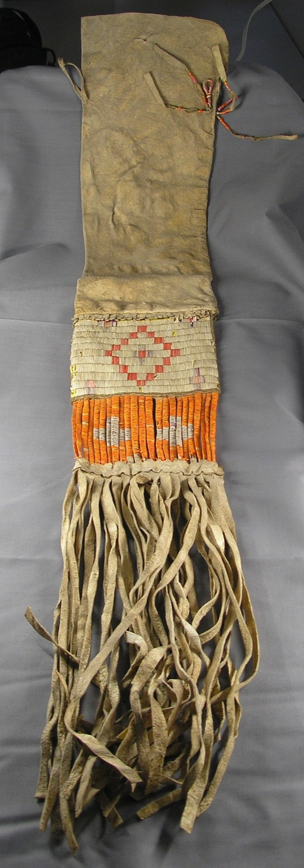 Native American pipe bag with quilled decoration, E0538