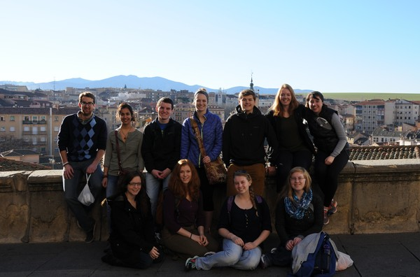 All of us at the viewpoint over the city of Segovia.