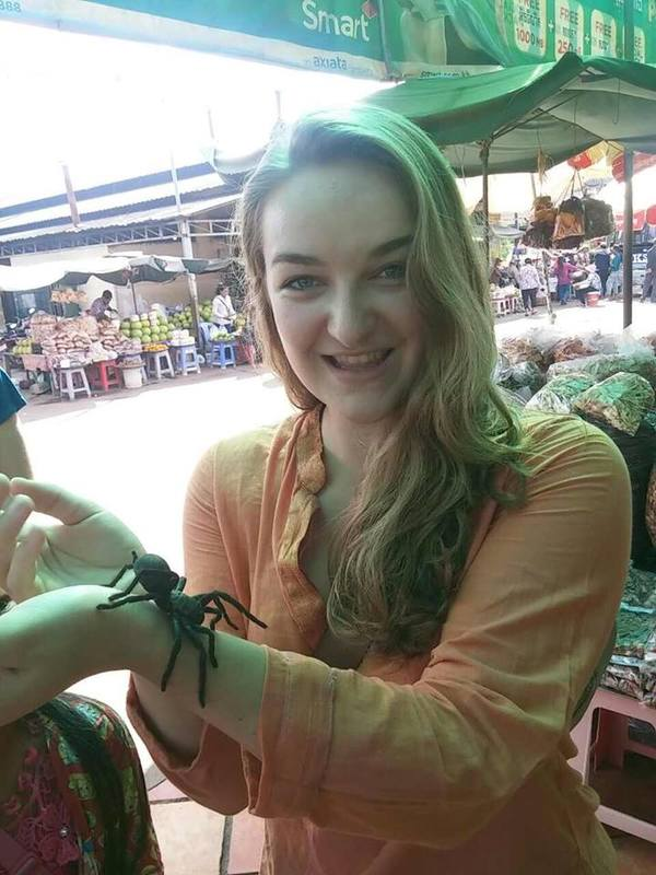 "Anna Streeper holds a live tarantula!<a href=""/reason/images/740055_orig.jpg"" title=""High res"">∝</a>"