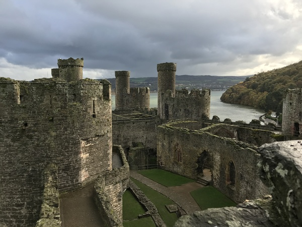 "Conwy Castle<a href=""/reason/images/787083_orig.jpg"" title=""High res"">∝</a>"