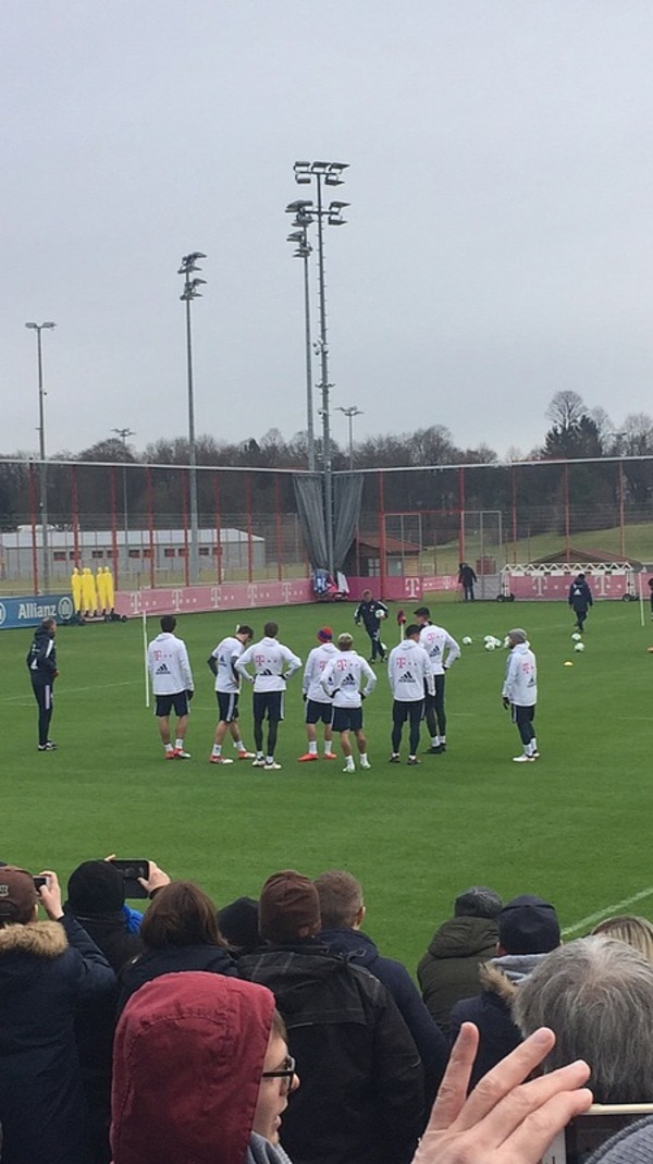 Players during Bayern Munich's open training
