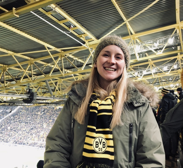 "Taylor at the Dortmund Fußball Game! Of course, supporting BVB thanks to her wonderful host family.<a href=""/reason/images/809115_orig.jpg"" title=""High res"">∝</a>"