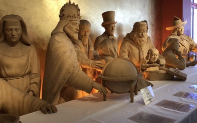 One of the many Marzipan Sculptures that the café had up in the museum section.