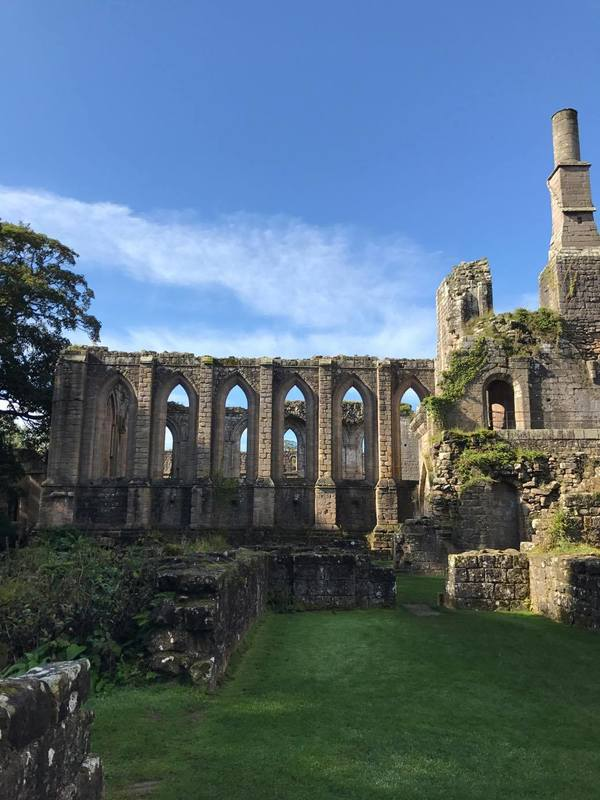 "A view of the ruins at Fountains Abbey<a href=""/reason/images/780127_orig.jpg"" title=""High res"">∝</a>"