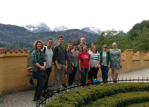 "The Münster Crew in the gardens of Hohenschwangau.<a href=""/reason/images/704131_orig.jpg"" title=""High res"">∝</a>"