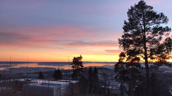 "Beautiful sunset at Holmenkollen<a href=""/reason/images/742133_orig.jpg"" title=""High res"">&prop;</a>"