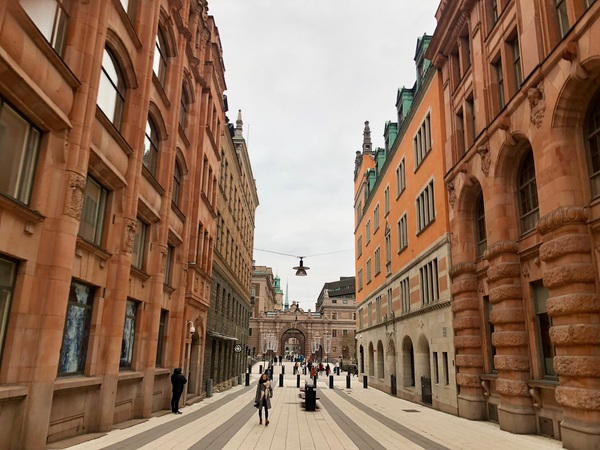 "Touring the streets of Stockholm<a href=""/reason/images/798166_orig.jpg"" title=""High res"">∝</a>"
