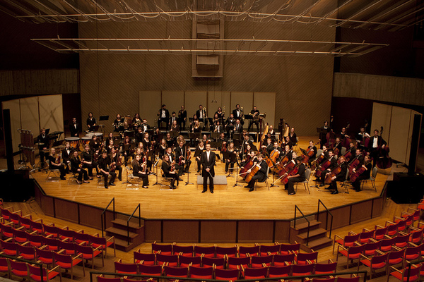 "Philharmonia<a href=""/reason/images/543180_orig.jpg"" title=""High res"">∝</a>"