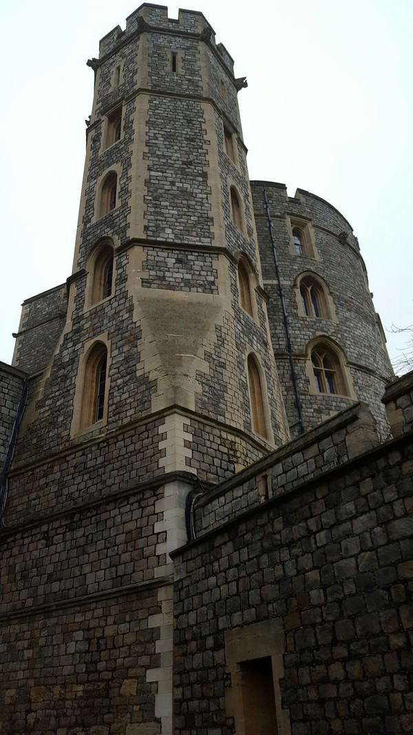 "A Windsor Castle tower<a href=""/reason/images/739196_orig.jpg"" title=""High res"">∝</a>"