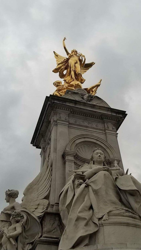 "The top of the Queen Victoria Memorial Statue outside Buckingham Palace.<a href=""/reason/images/782225_orig.jpg"" title=""High res"">∝</a>"