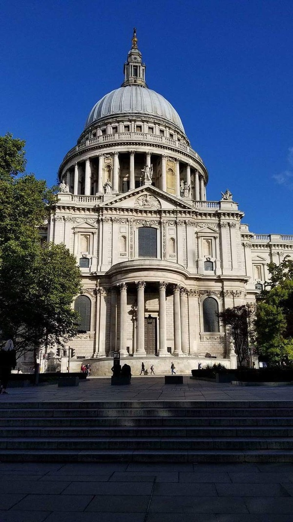 "The dome of St. Paul's Cathedral, which famously survived the Blitz during WWII.<a href=""/reason/images/782228_orig.jpg"" title=""High res"">∝</a>"