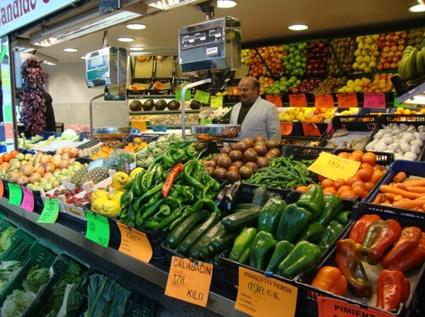 "Fruit and vegetable stand at the food market.<a href=""/reason/images/523245_orig.jpg"" title=""High res"">&prop;</a>"