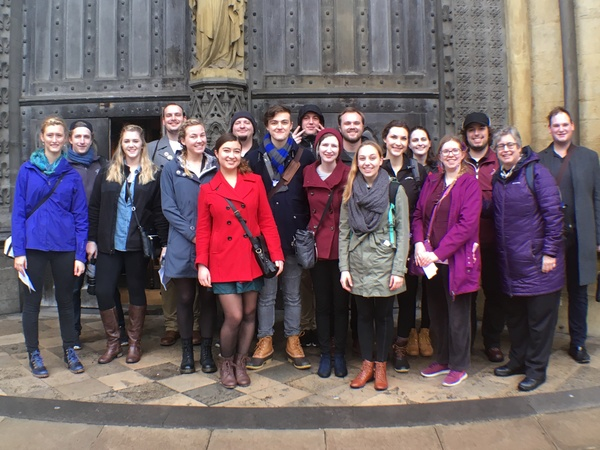"The whole class in front of Westminster Abbey.<a href=""/reason/images/798272_orig.jpg"" title=""High res"">∝</a>"