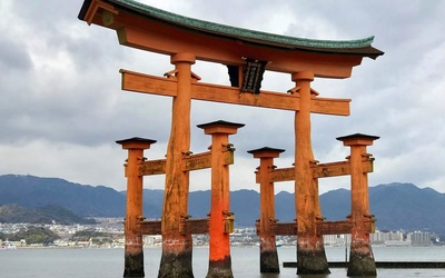 The stunning gate at the front of the Itsukushima Shrine