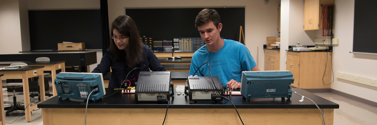 Luther College students doing engineering-related summer research.