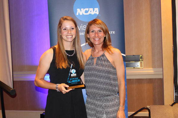 "2017 Second-Team NFCA All-American Ashley Burrows - Head Coach Renae Hartl<a href=""/reason/images/760366_orig.jpg"" title=""High res"">∝</a>"