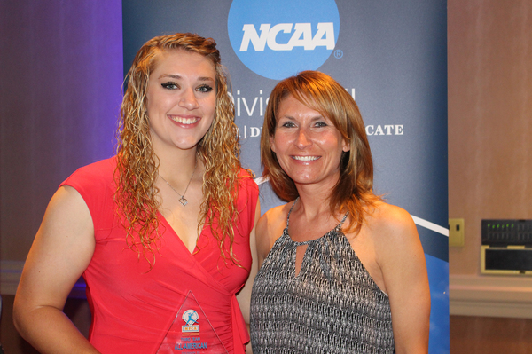"2017 Third-Team NFCA All-American Samantha Bratland - Head Coach Renae Hartl<a href=""/reason/images/760370_orig.jpg"" title=""High res"">∝</a>"