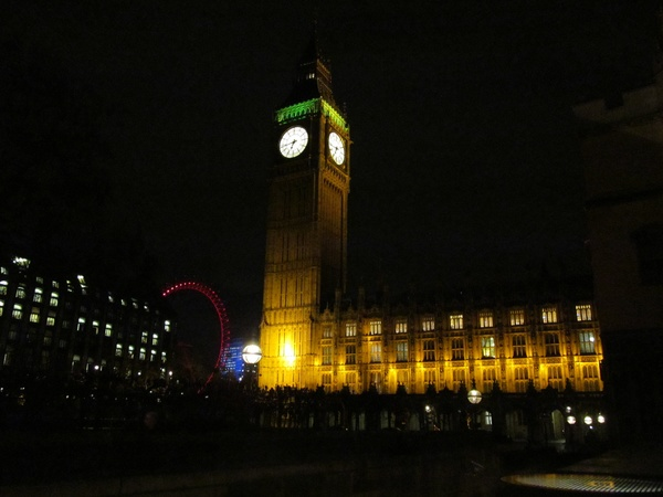 "Big Ben and the London Eye at night in London.<a href=""/reason/images/601371_orig.jpg"" title=""High res"">∝</a>"