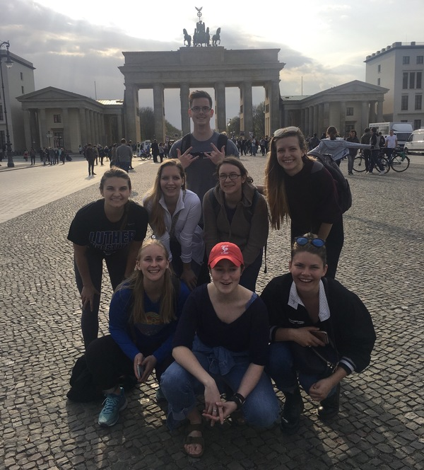 "The group in front of the Brandenburg Gate!<a href=""/reason/images/812374_orig.jpg"" title=""High res"">∝</a>"