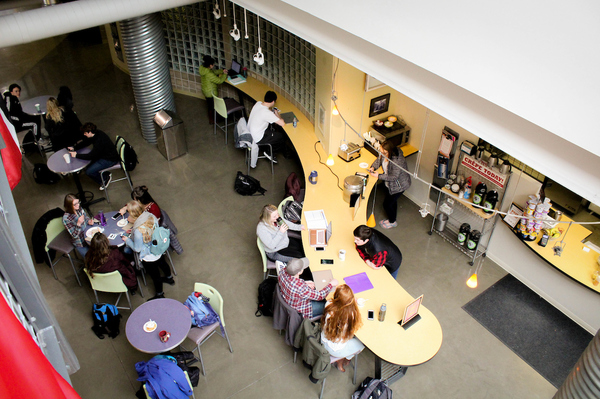 "Campus Dining Options<a href=""/reason/images/819377_orig.jpg"" title=""High res"">∝</a>"