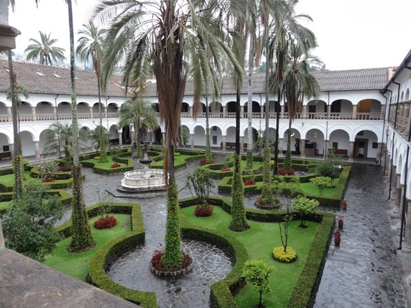 The interior courtyard of the Convento y Museo de San Francisco (parrots not pictured).