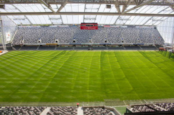 This is Forsyth Barr stadium which was built five years ago and is looking as good as ever.