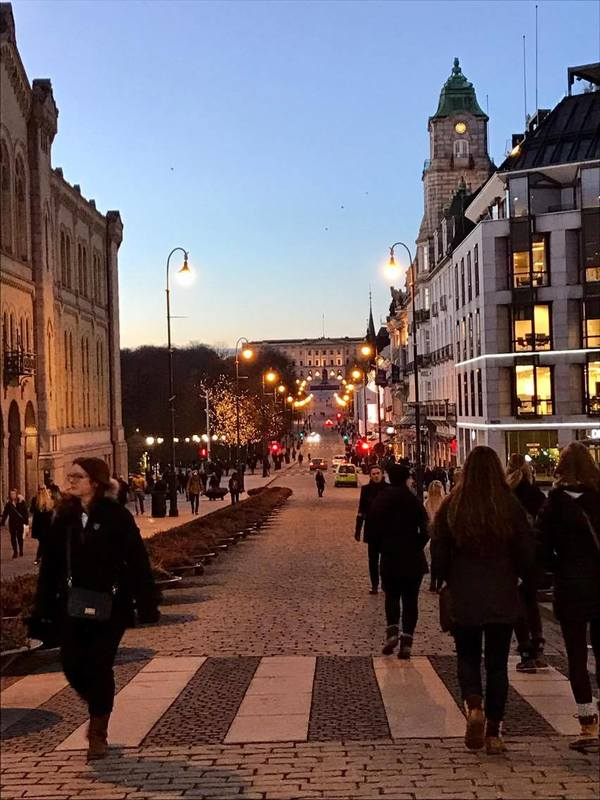 "Streets of Oslo by night!<a href=""/reason/images/741400_orig.jpg"" title=""High res"">&prop;</a>"