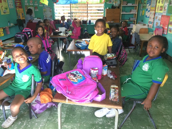 "Elementary kids at Meadowbrook Prep<a href=""/reason/images/740415_orig.jpg"" title=""High res"">∝</a>"