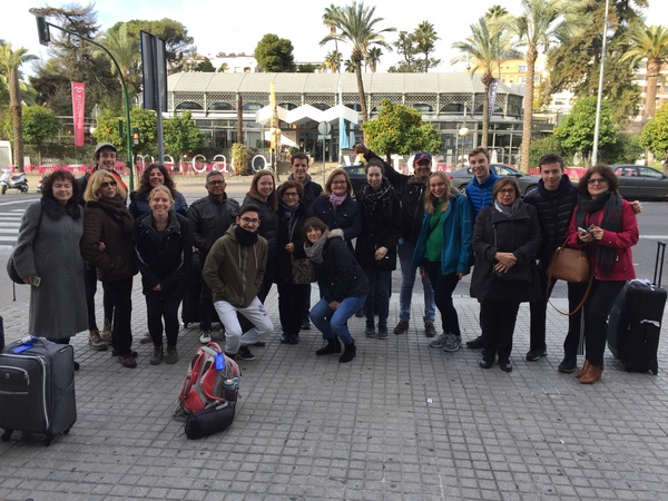 "Students, host families and one of the Academia's Spanish teachers (Marisol) together for one last time before the group left Córdoba.<a href=""/reason/images/801432_orig.jpg"" title=""High res"">∝</a>"