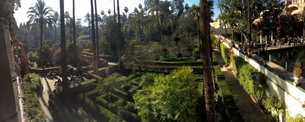 "Panoramic View of the gardens and palace building at the Real Alcázar de Sevilla.<a href=""/reason/images/799442_orig.jpg"" title=""High res"">∝</a>"