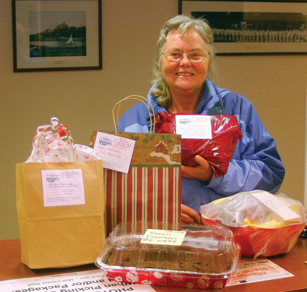 Luther College Woman's Club provides treats for students.