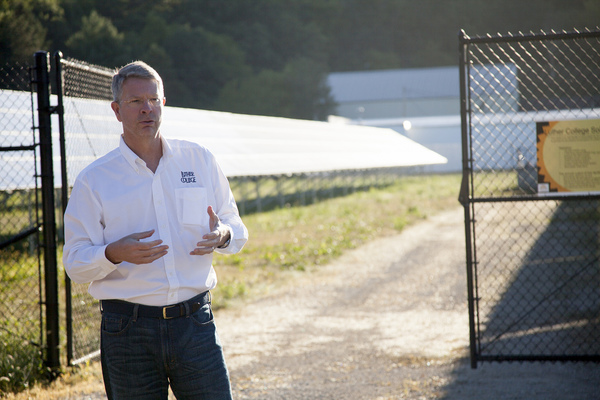 "Jim Martin-Schramm, Luther College professor of religion and interim director of the center for sustainable communities gives a tour of the solar field<a href=""/reason/images/552465_orig.jpg"" title=""High res"">∝</a>"
