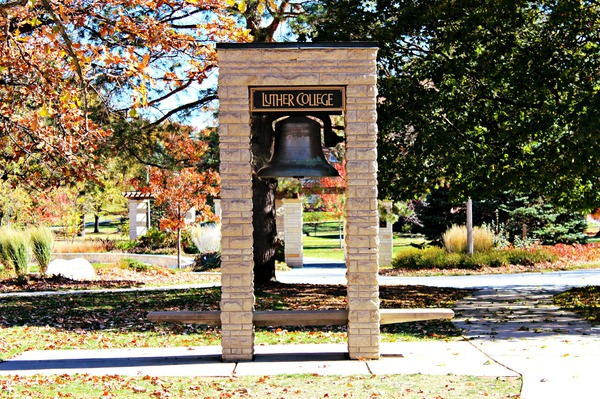 "Luther College Bell<a href=""/reason/images/420494_orig.jpg"" title=""High res"">∝</a>"