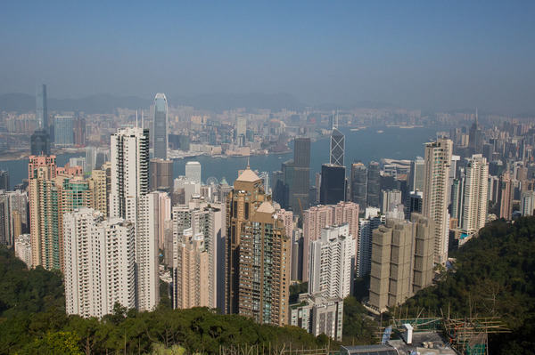 "A view of Hong Kong from the top of Victoria's peak<a href=""/reason/images/600546_orig.jpg"" title=""High res"">∝</a>"