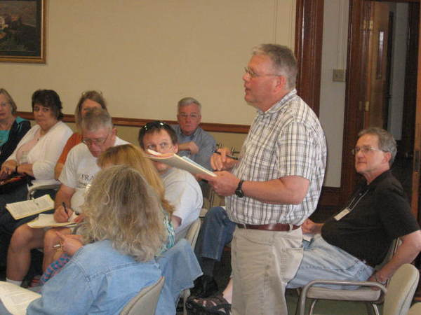 Alumnus Pastor Dick Dahle tells discernment practices of his church council meetings.