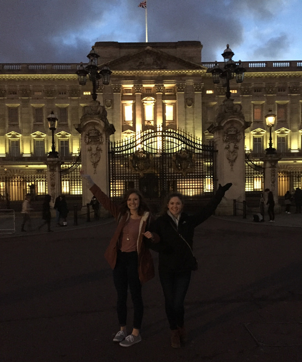 "Kelli and Morgan at Buckingham Palace<a href=""/reason/images/740602_orig.jpg"" title=""High res"">∝</a>"