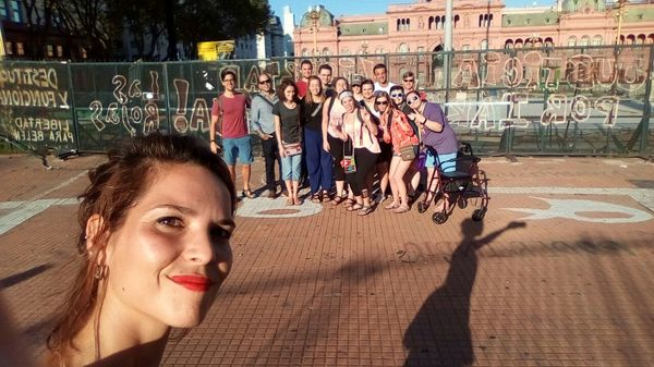 "At Plaza de mayo<a href=""/reason/images/798620_orig.jpg"" title=""High res"">∝</a>"